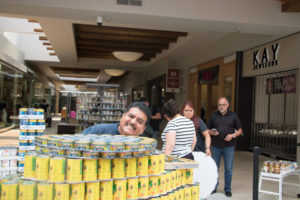 Armando at Canstruction 2